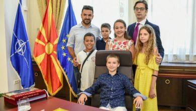 Photo of Средба со претседателот на Република Северна Македонија, Стево Пендаровски во неговата вила